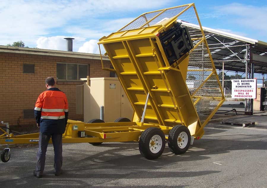 10x6 tandem tipper with a bin lifter