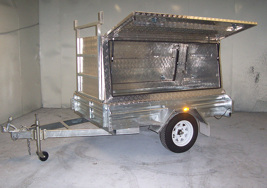 7x4 tradesman's trailer with hot dip galvanised body and aluminium canopy
